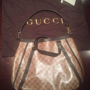 Authentic Gucci Purse w/matching wallet